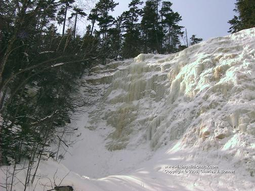 FrozenWaterfall_1_20070310.JPG